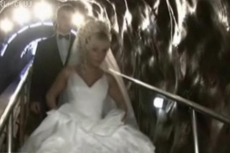 Nunta in Salina Turda! Doi tineri si-au unit destinele la 100 de metri adancime - FOTO