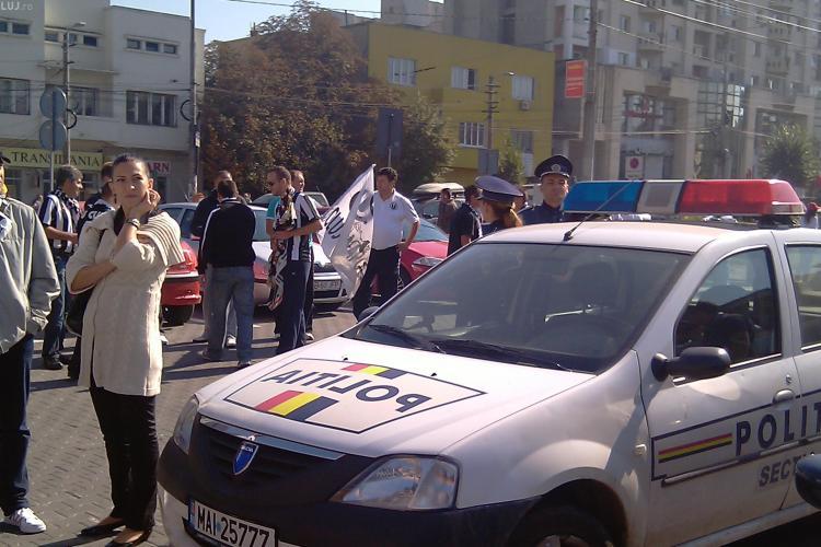 Suporterii  U Cluj au pornit spre Alba din Piata Cipariu - GALERIE FOTO si VIDEO