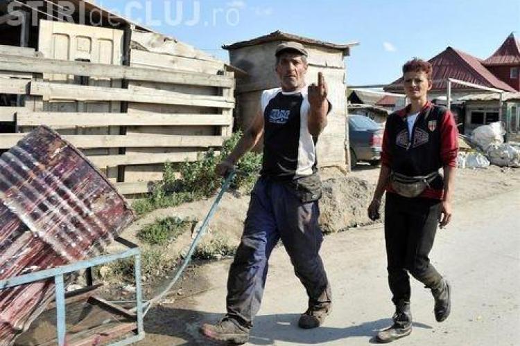 Jurnalistii de la Blick ne fac praf: Clujul prezentat ca o mahala din lumea a treia, cu caini morti pe strada, drogati, betivi si someri - FOTO