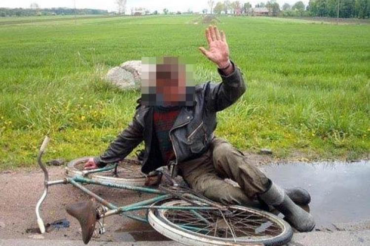Accident URÂT în Florești, pe strada Tăuțiului! Ce a REUȘIT să facă un biciclist beat?