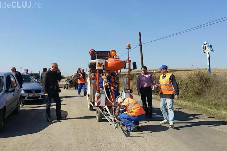 Se lucrează pe drumul spre Băile Cojocna! Urmează drumul spre Valea Ierii - FOTO