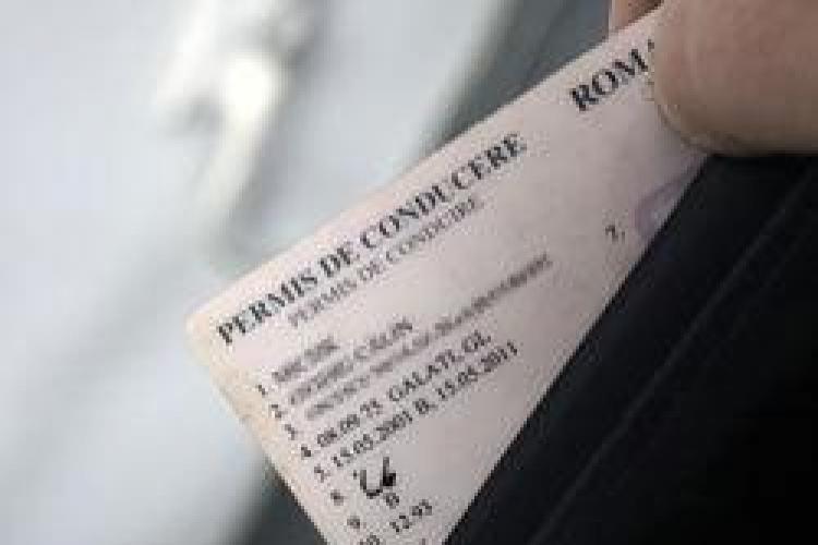 Culmea TUPEULUI din partea unui bărbat din Gherla. S-a dus să preschimbe un permis fals