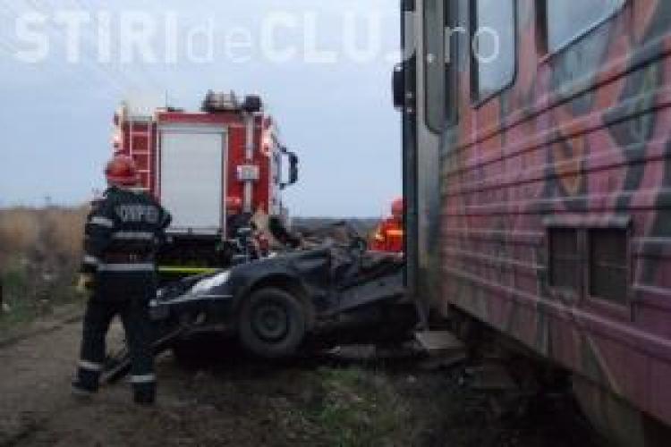 Șofer clujean lovit de tren în Sălaj! Trei persoane au fost rănite