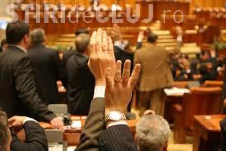 Scandal la Camera Deputaților pentru vacanța electorală de două luni: Chiar ne facem de râs!