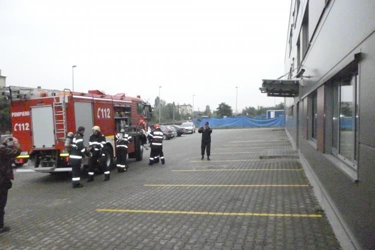 Acțiune de mare amploare a pompierilor clujeni la Tetarom. Au făcut o simulare cu peste 10 autospeciale FOTO