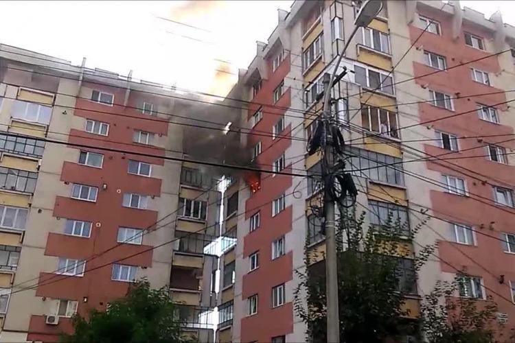 Incendiu cu VICTIME pe strada Tulcea, la un apartament / UPDATE: Un tânăr are arsuri foarte GRAVE - VIDEO