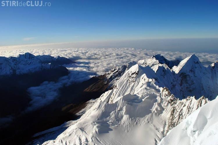 Cel puțin 17 alpinisti au murit în Himalaya. Alpiniștii din Cluj sunt TEFERI
