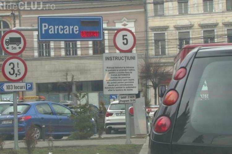 Plătesc parcare în centrul Clujului de trei ori mai mult ca în cartier. Ce nemulțumiri are un clujean?
