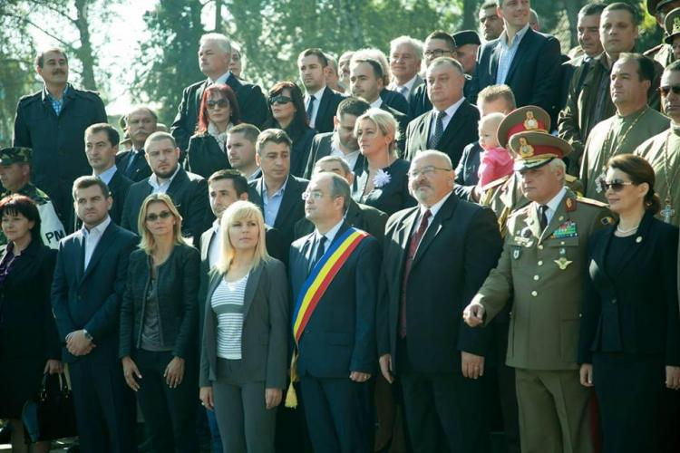 Elena Udrea a participat la ceremonia de comemorare a eliberării Clujului. Boc a depus coroana în numele PMP