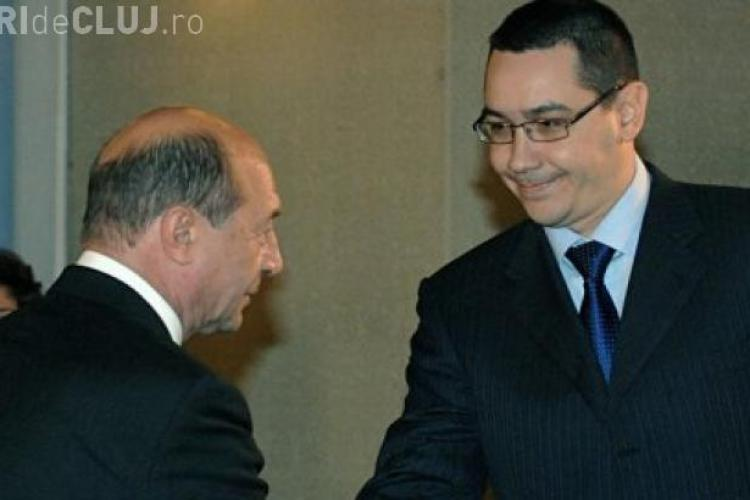 Prima întâlnire dintre Ponta și Băsescu de la începerea campaniei. Ce i-a făcut președintele lui Victor Ponta
