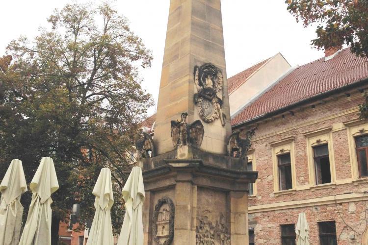 Două simboluri ale Clujului au nevoie de restaurare: Obeliscul Carolina și statuia Sf. Fecioare Maria - Protectoarea