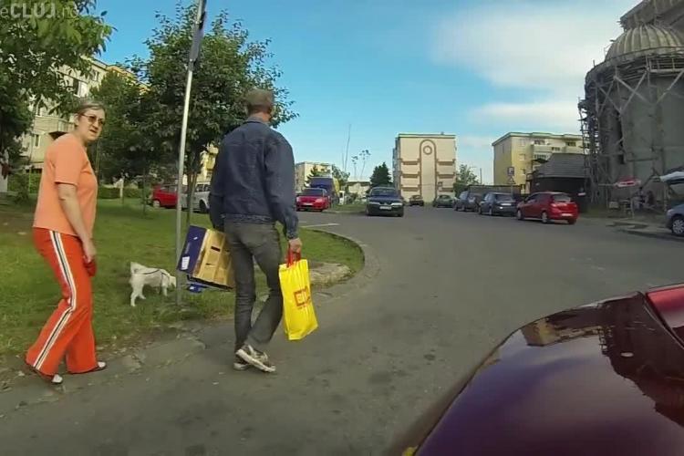 Un bogătaș râde de clujenii care se uită după mașina lui de 200.000 de euro. Le-a filmat reacțiile la vederea bolidului- VIDEO