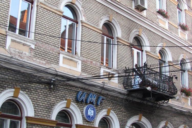 Monitorizare EBOLA la UMF Cluj! Doi studenți au fost investigați, iar unul e de negăsit