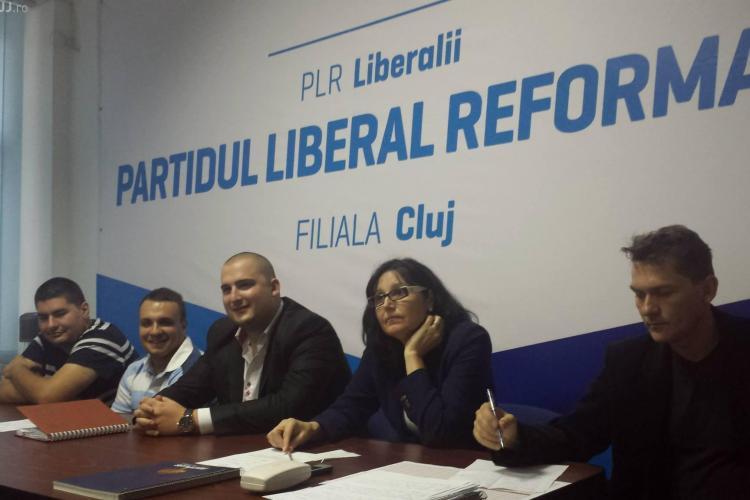 Steluța Cătăniciu: Îmi doresc un președinte român. Ne UMILIM susținând un nemț. Noi suntem mai hoți ca ei?