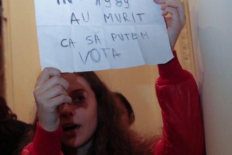 Scrisoarea studenților din Londra: Am stat 7 ore să votăm. Vrem să revenim acasă