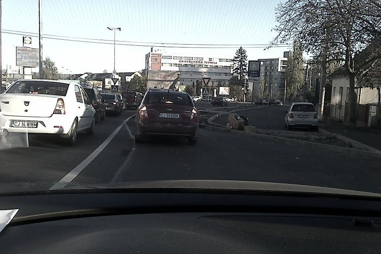 Cum este GÂTUIT traficul pe Calea Turzii! Dovada este în FOTO