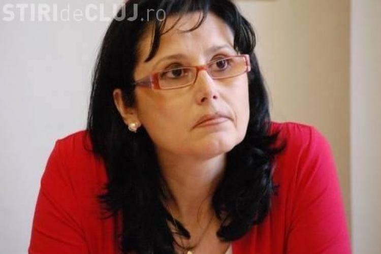 Deputatul Steluța Cătăniciu și-a angajat fiul la București: La Cluj, Uioreanu bloca totul și cerea PLICURI