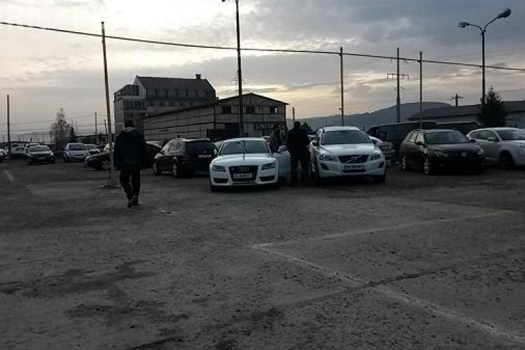 Un funcționar din Primăria Cluj-Napoca lucra pe mână cu SAMSARII arestați la Cluj. SCOTEA actele pe BANDĂ