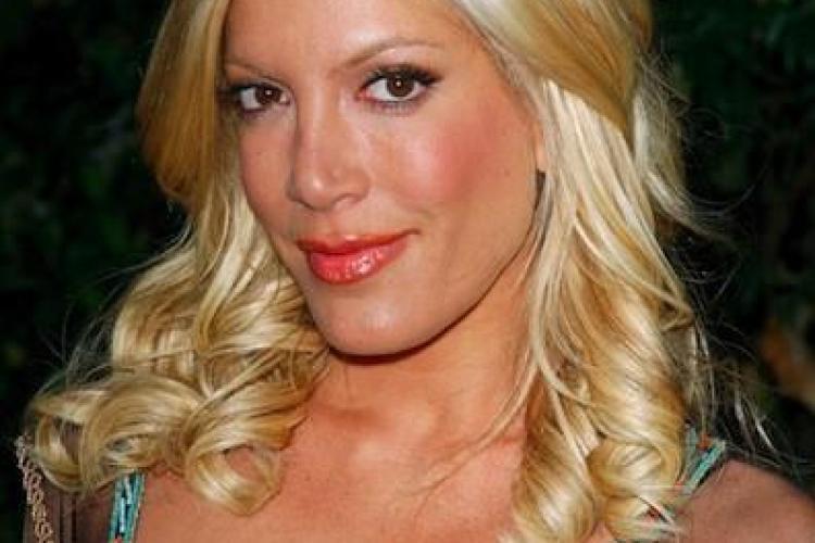 """O DIVĂ din """"Beverly Hills, 90210"""" și-a distrus fața cu operațiile estetice - FOTO"""