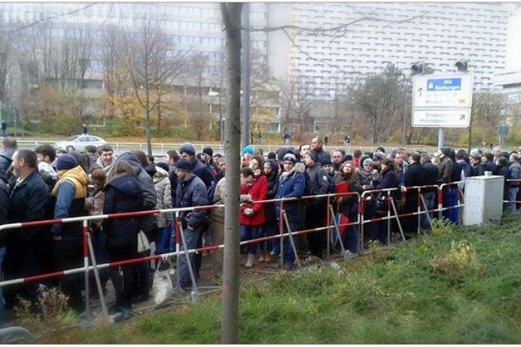 Fost jurnalist clujean la Munchen: Sunt mii la coadă. Oamenii merg în Praga să voteze