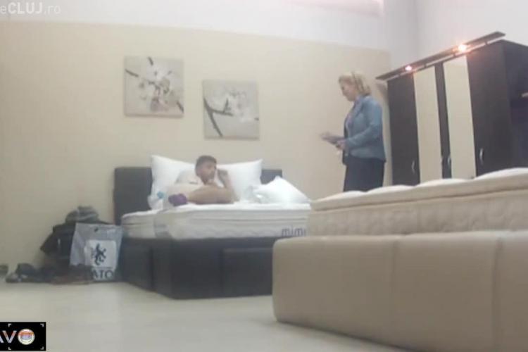 Mircea Bravo REVINE! S-a dus la un magazin de mobilă și s-a culcat în pat. Ce reacții au angajații - VIDEO