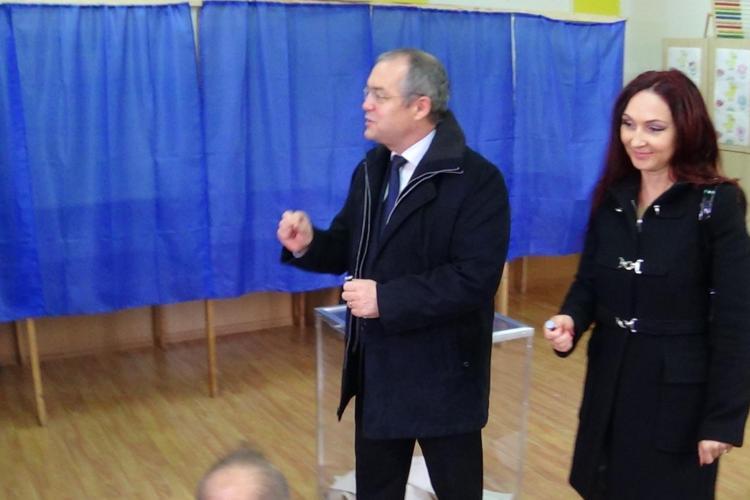 """Emil Boc a votat, dar a fost surprins de votul """"substanțial"""" de pe listele suplimentare: Sper să nu fie o problemă - VIDEO"""