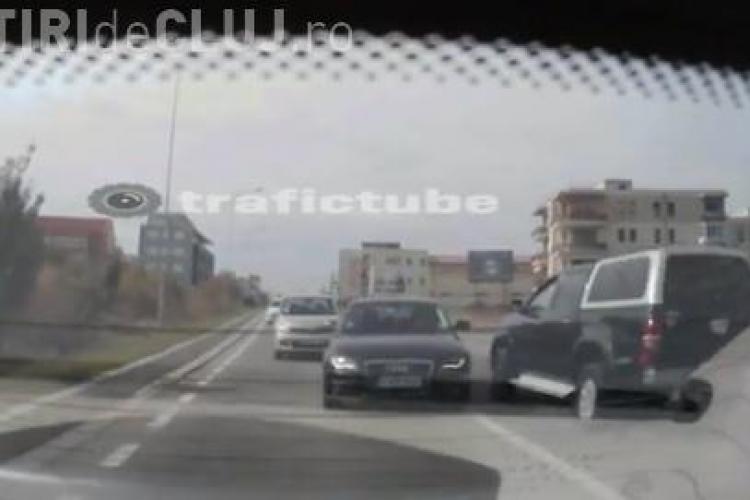 """Un clujean a SCĂPAT din două accidente la """"mustață"""" - VIDEO"""