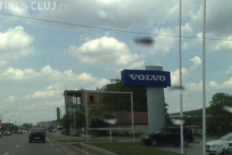 Sens giratoriu în zona reprezentaței Volvo - BMW, în Florești