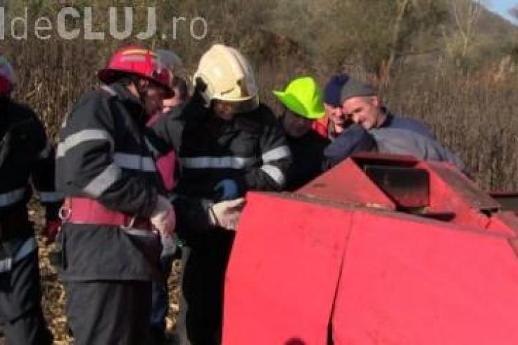 Accident de muncă la Urișor. Un bărbat a rămas fără mână în timp ce culegea porumbul VIDEO