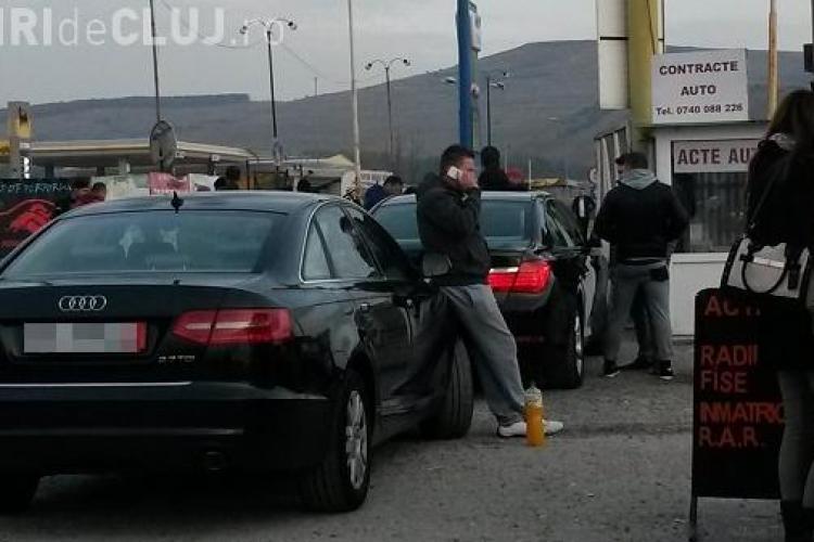 RAZIE în Târgul de mașini de la Florești! Samsarii AUTO au fost BLOCAȚI la poartă - FOTO și VIDEO EXCLUSIV
