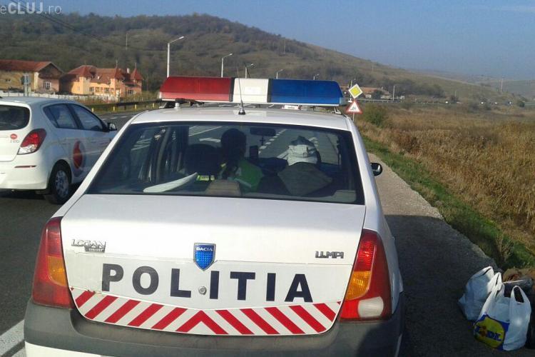 O mașină a căzut în lac la Mărtinești în urma unui accident - FOTO