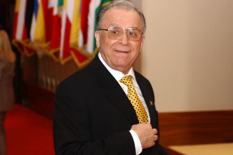"""Ce spune Iliescu despre alegerea lui Klaus Iohannis: """"A venit cu un mesaj nou care a avut priză la public"""""""