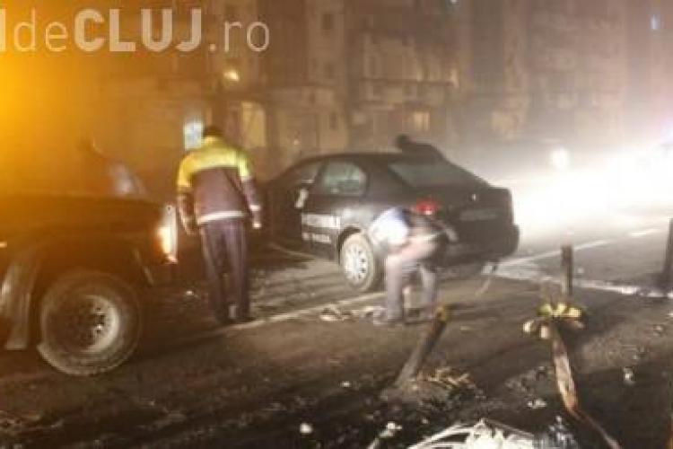 Un agent de la Scutul Negru a făcut accident la Gherla. A doborât un stâlp de electricitate VIDEO