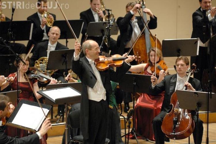Strauss Festival Orchestra Vienna va fi dirijată la Cluj în stilul lui Johann Strauss, cu vioara în mână - VIDEO