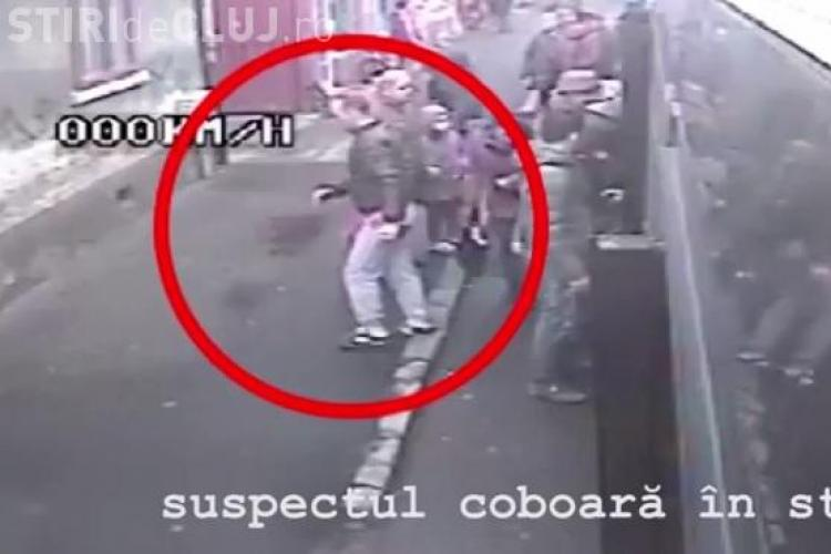 Cum acționează un hoț într-un troleibuz din Cluj-Napoca! E filmat și nimeni nu-l prinde - VIDEO