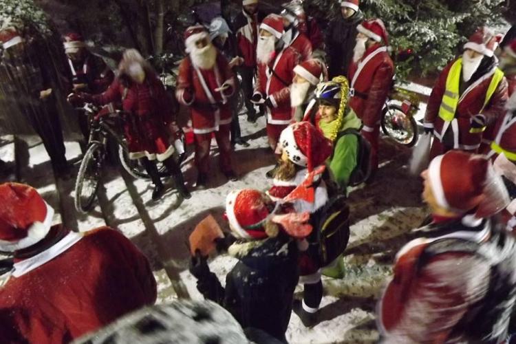 O mie de ciclomoși au dus cadouri copiilor din Cluj - FOTO