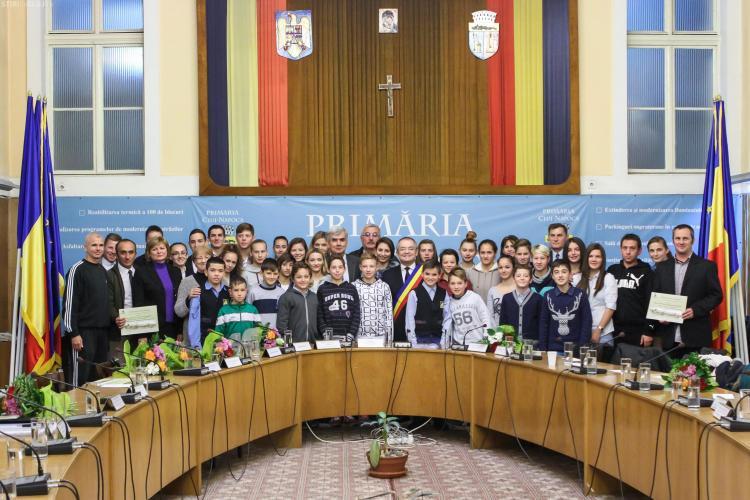 Handbalista Cristina Laslo și gimnasta Andrea Bogati, premiate la Cluj cu câte 2.000 de lei
