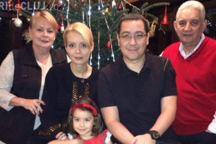 Victor Ponta a publicat pe Facebook scrisoarea fiicei sale pentru Moș Nicolae