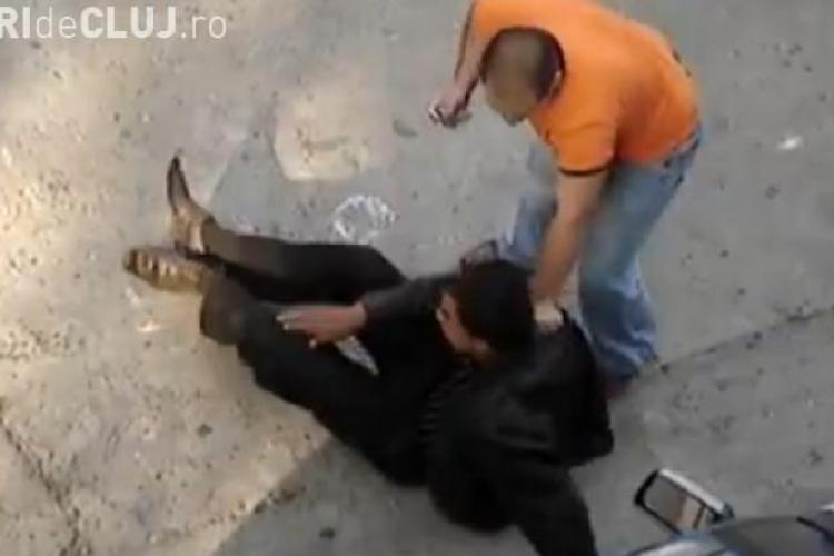 Clujenii dau dovadă de CURAJ! Au pus la pământ un infractor pe strada București