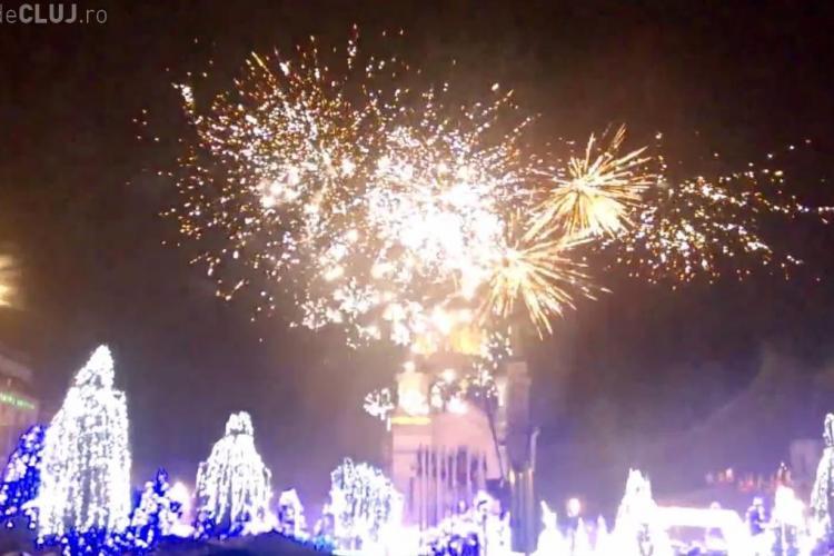 Foc de ARTIFICII de 1 Decembrie la Cluj! Mii de oameni au învins ploaia - FOTO