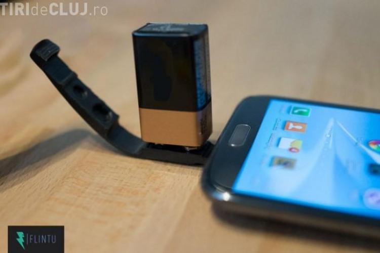 Cum o să-ți poți încărca telefonul cu ajutorul unei baterii normale VIDEO