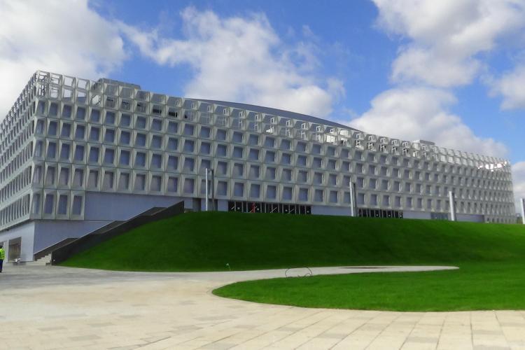 De ce s-a ieftinit închirierea Sălii Polivalente din Cluj-Napoca? Universitatea nu va plăti TVA, U BT va plăti