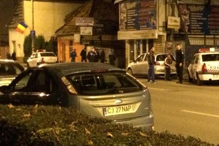 Țiganii din Cluj s-au atacat cu topoare pe Dorobanților! I-au dat cu spray paralizant și pe POLIȚIȘTI - VIDEO