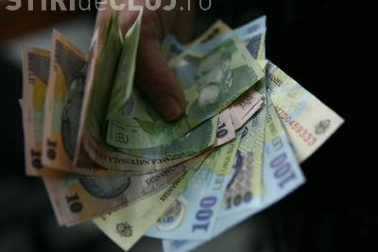 Bani pierduți, găsiți de un polițist în timp ce se plimba prin Gheorgheni. Proprietarul este așteptat să-i ridice