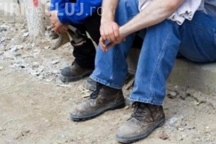 Un patron s-a ales cu dosar penal la Turda. A angajat muncitori la negru