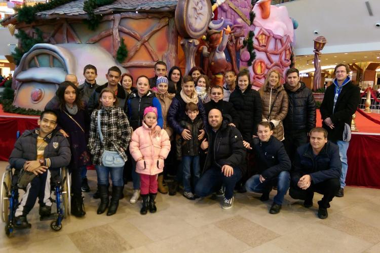 Tabără la Cluj pentru 45 de copii cu boli cronice de rinichi. Sunt ajutați de Tudor Ștefănie și Arpad Paszkany