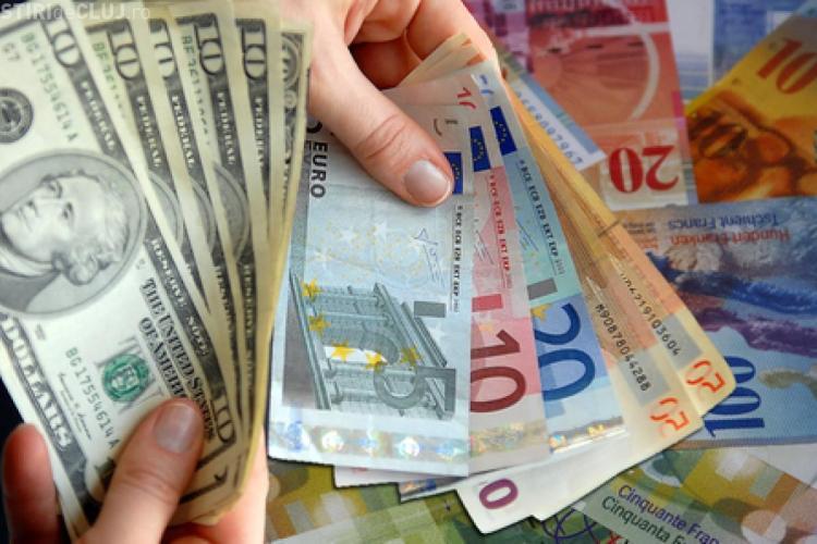 Ai credit în franci elvețieni? Vezi cu cât îți crește rata
