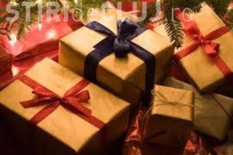 Topul celor mai neinspirate cadouri de Crăciun. Ce urăsc românii să primească