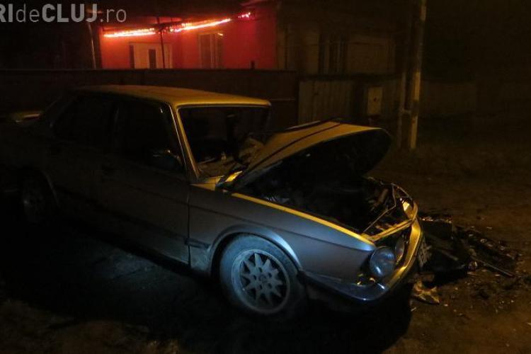 Un BMW a făcut PRAF la Bonțida alte trei mașini! Șoferul era beat. Pagubele sunt enorme - VIDEO