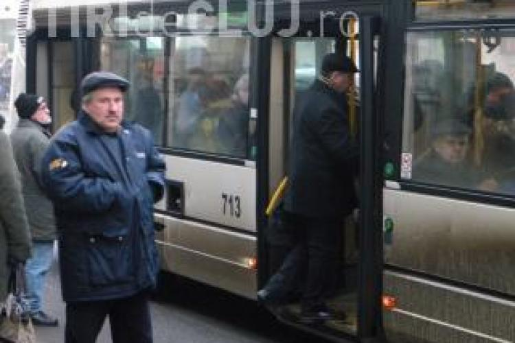 CTP Cluj-Napoca eliberează abonamentele gratuite pentru pensionari la ghișee speciale. VEZI care sunt!